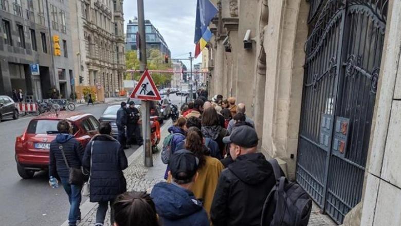 Aproape 268.000 de români din Diaspora au votat până sâmbătă la 22:00 ora României