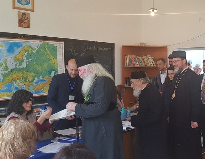 (FOTO) Mitropolitul Banatului a votat împreună cu ierarhii arădeni în Cetatea Ineului