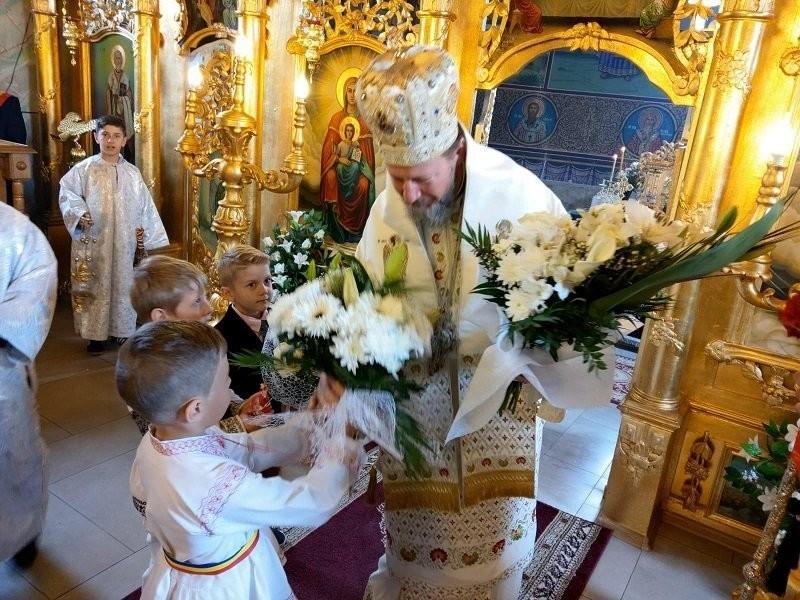 PS Emilian Crișanul, la zece ani de slujire arhierească. Întru mulți ani, Preasfințite Părinte!