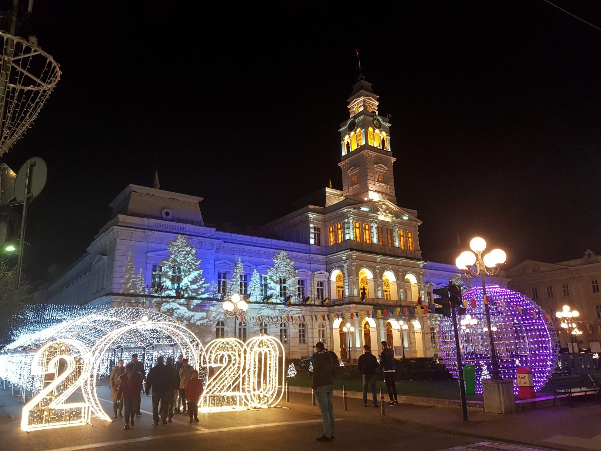 (FOTO) Târgul de Iarnă de la Arad și-a deschis porțile