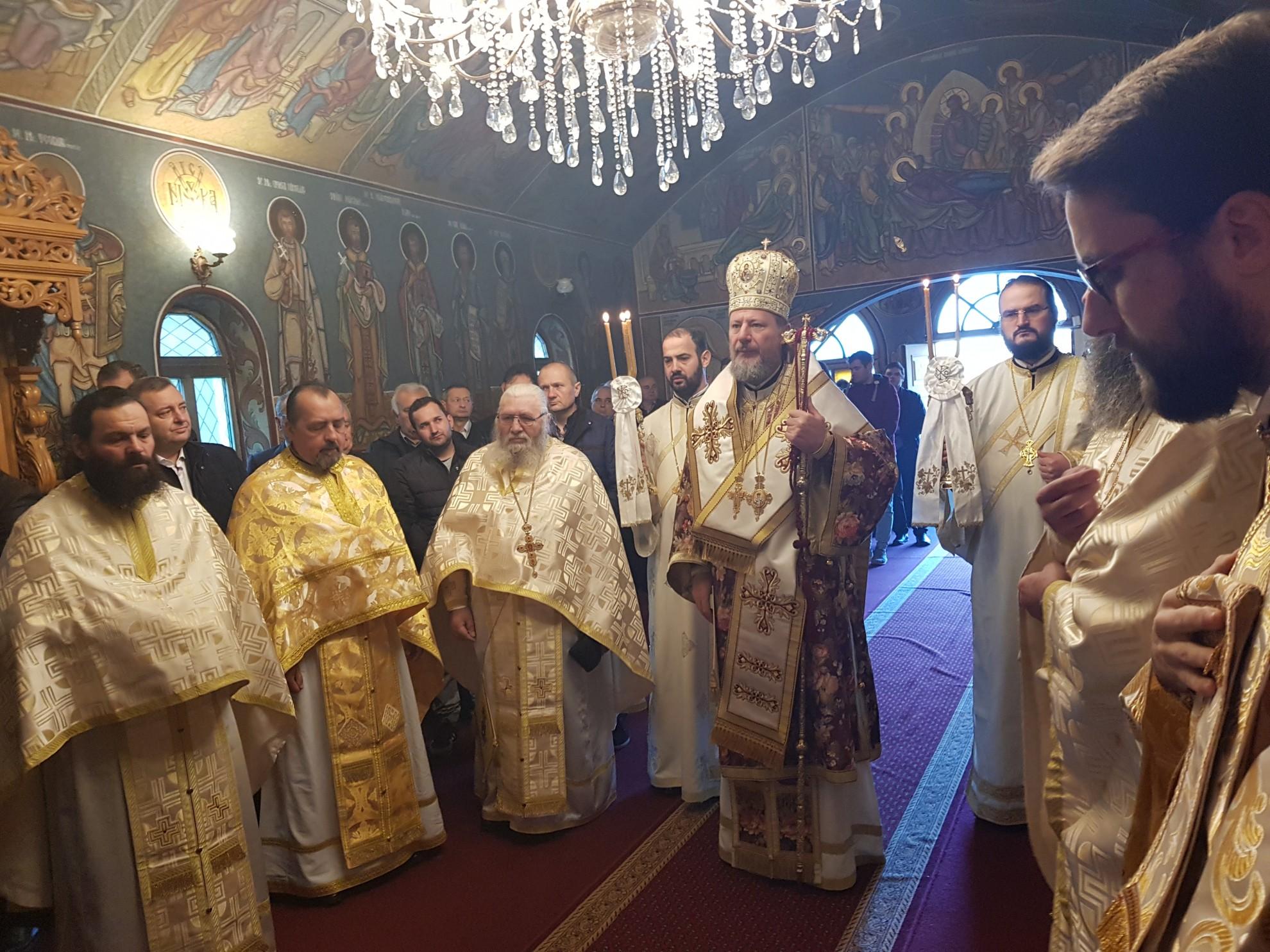(FOTO) Liturghie arhierească la Mănăstirea Feredeu, în Duminica a doua din Postul Nașterii Domnului