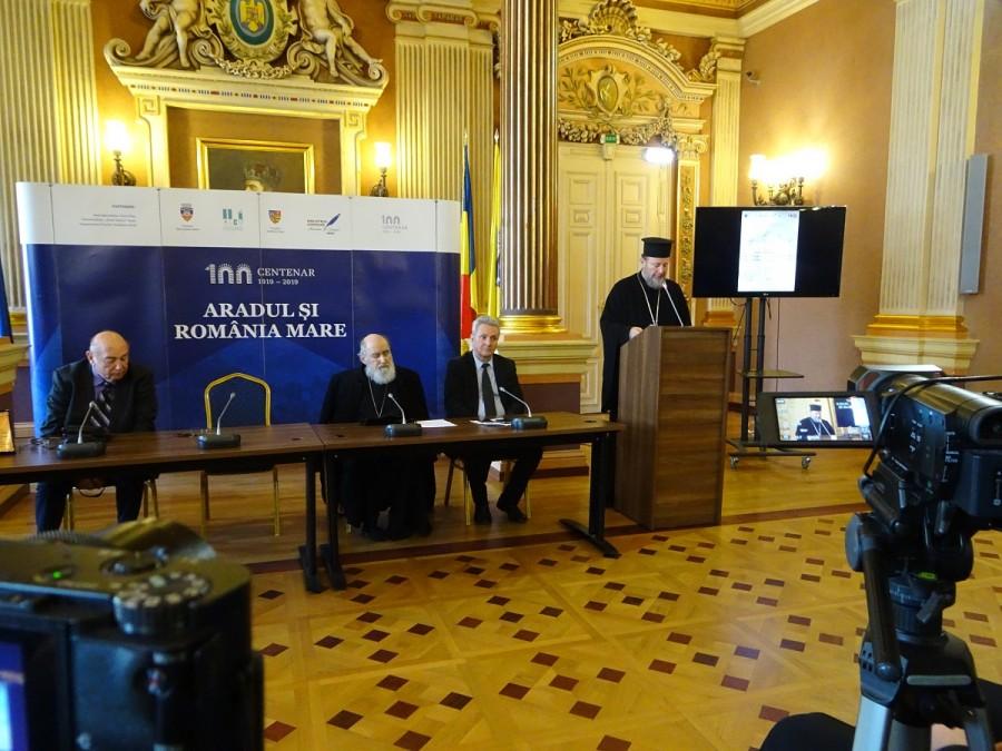 """(FOTO) Voci în Cetate. PS Emilian Crișanul a conferențiat despre viața Eparhiei Aradului în cadrul Conferințelor """"Aradul și România Mare"""""""