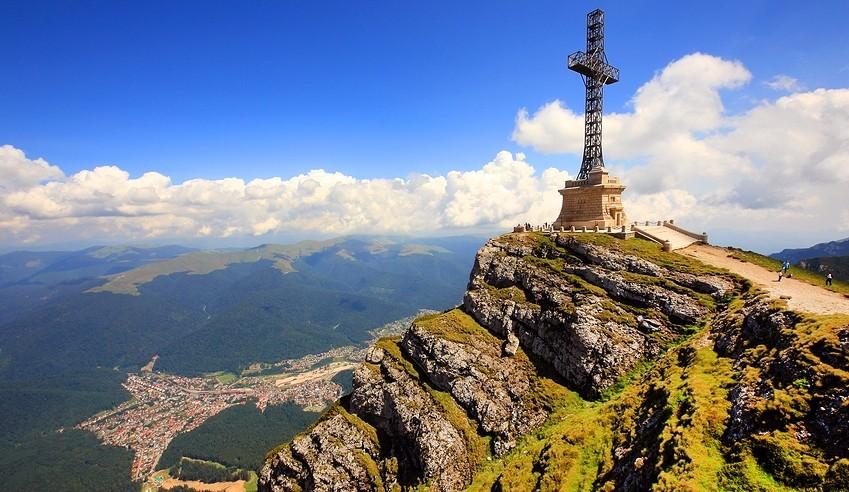 Crucea comemorativă a eroilor români din Primul Război Mondial va fi reabilitată până în 2022