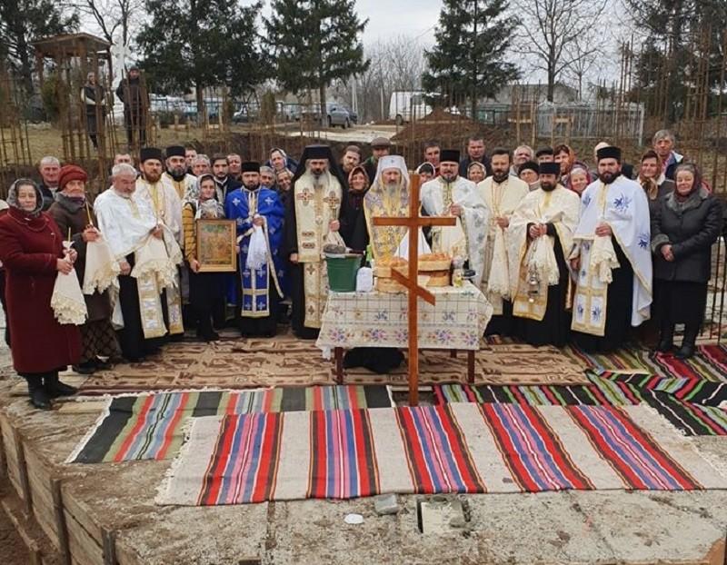A fost sfinţită piatra de temelie a primei biserici din Episcopia de Bălţi