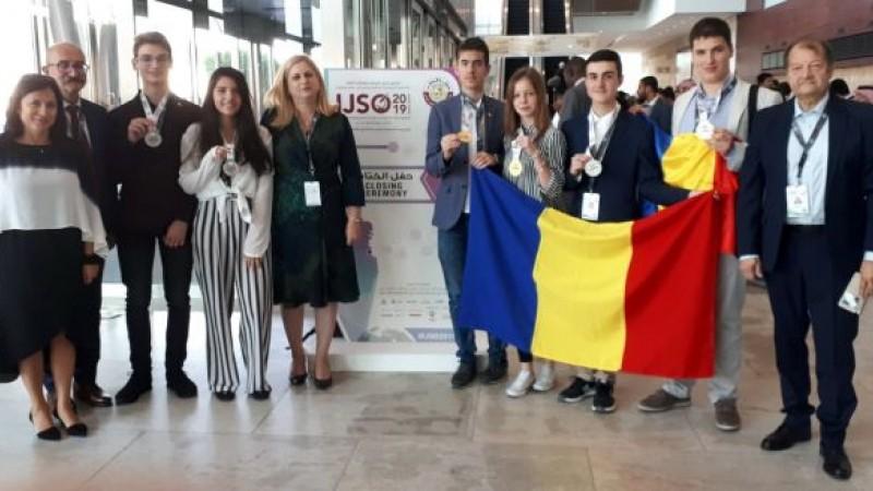 Două medalii de aur și patru de argint pentru elevii români, la Olimpiada Internaţională de Ştiinţe