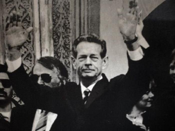 """Mesajul Regelui Mihai către Țară, în 18 decembrie 1989: """"Fiți pașnici, dar demni. Cu Dumnezeu înainte!"""""""