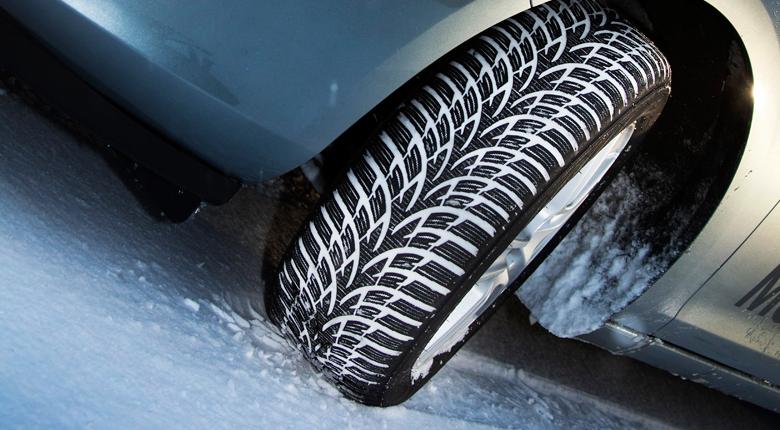 Ce amenzi riscă șoferii care nu folosesc anvelope de iarnă