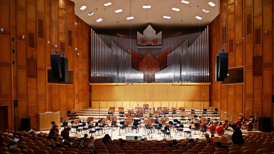Cea mai mare orgă din sud-estul Europei, alcătuită din 7.600 de tuburi, răsună la Sala Radio