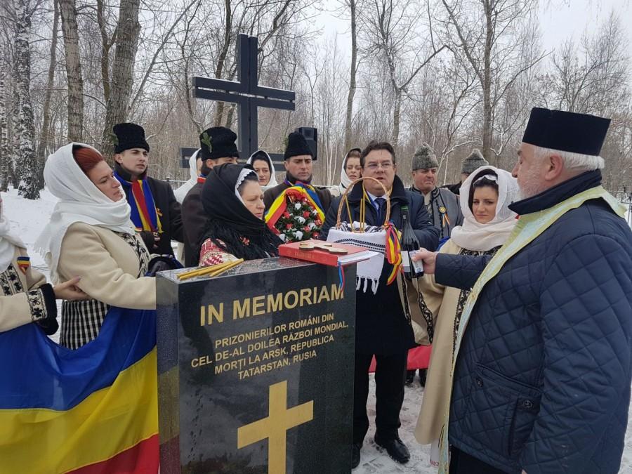 Reparație istorică. 12 monumente dezvelite în 2019 pentru militarii români morţi în lagărele NKVD