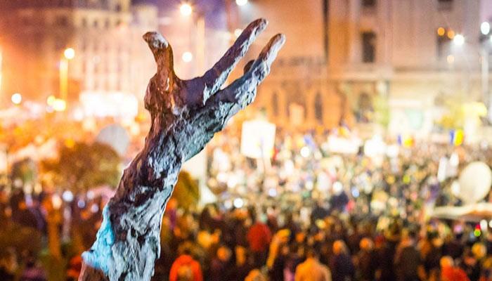 """""""Colectiv"""" nu este doar în octombrie! La 4 ani de la tragedie, marilor arşi din România li se prescrie cremă de gălbenele"""