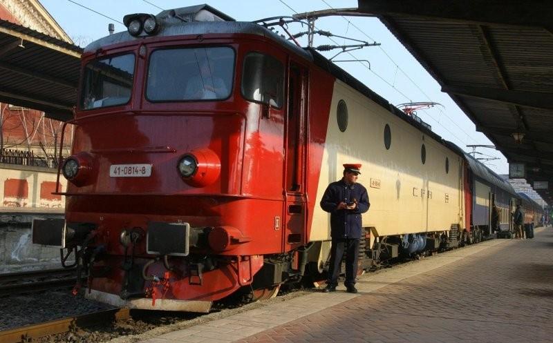 Trenuri anulate și sute de minute întârziere, după deraierea unui tren de marfă în Olt