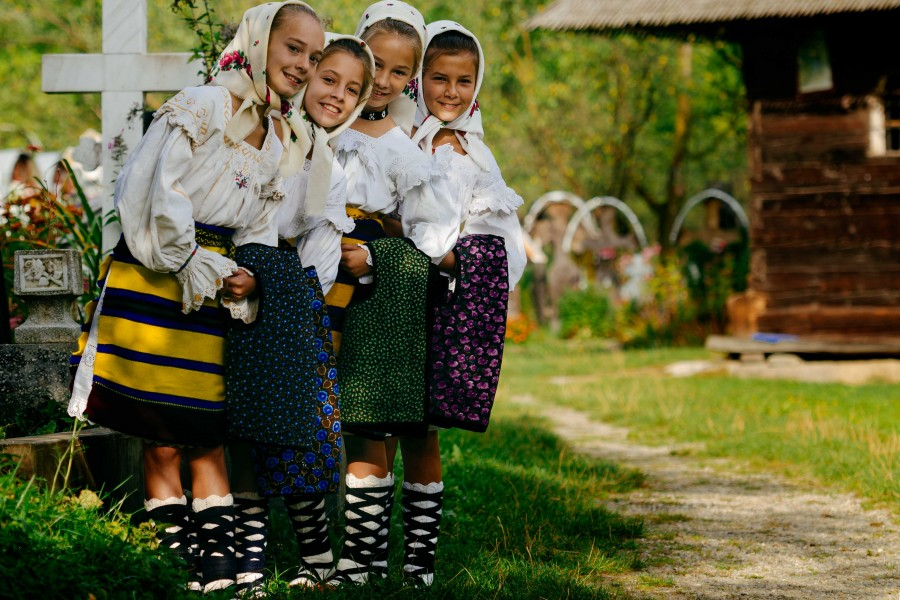 Câte zile libere vor avea românii de Paști și Rusalii în 2020