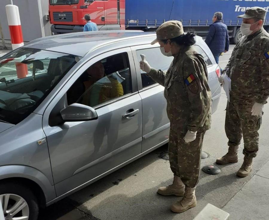 Armata trimite medici militari la punctele de trecere a frontierei