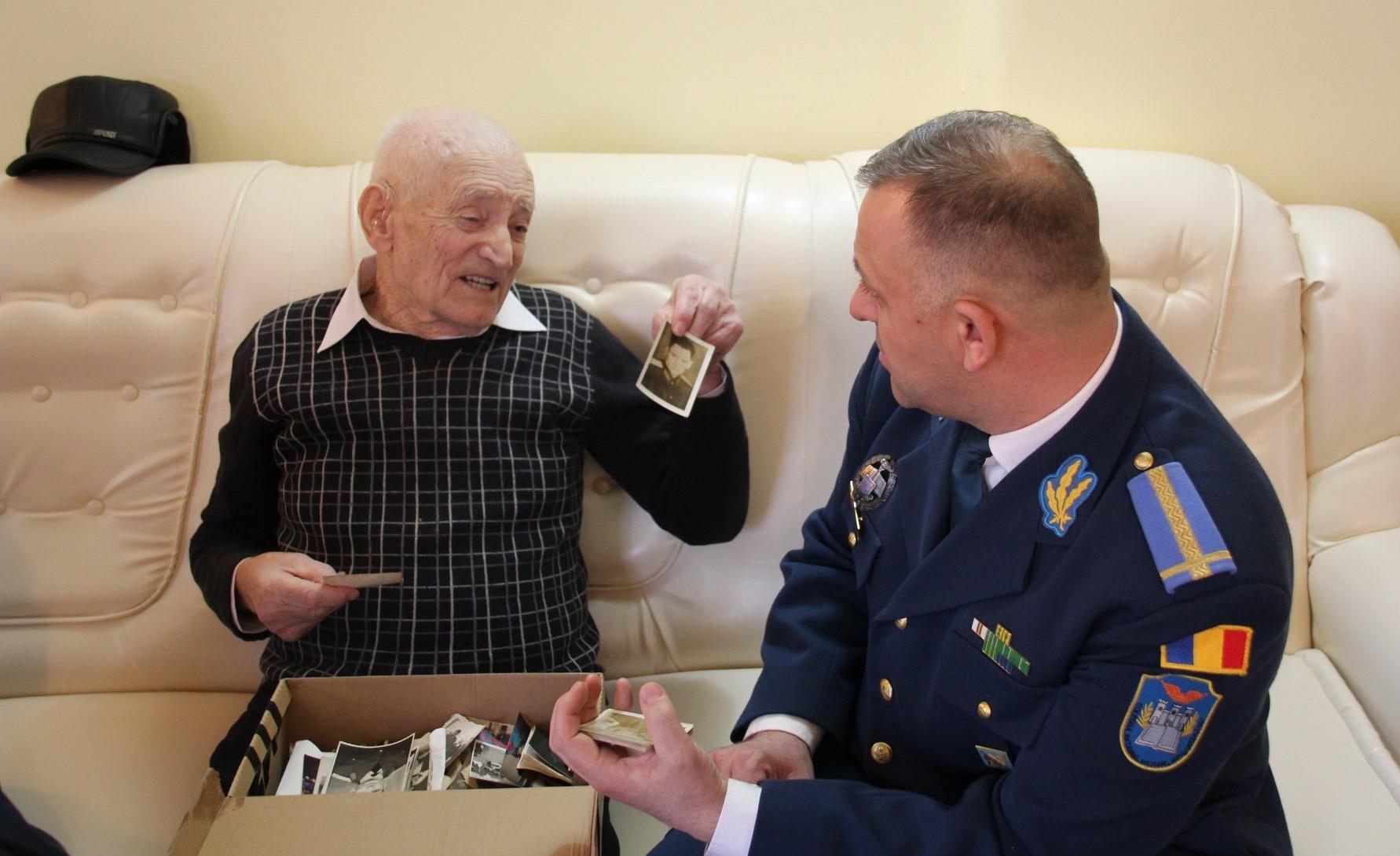 Veteranul de război Gheorghe Hațegan, aniversat la împlinirea vârstei de 98 de ani