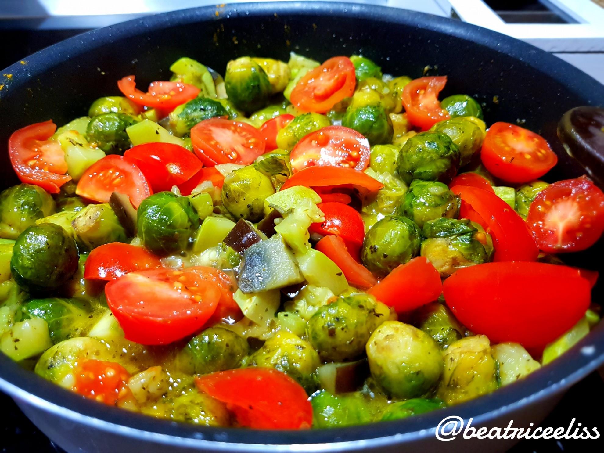 Din Bucătăria Lui Eliss: Mâncare de varză de Bruxelles cu legume