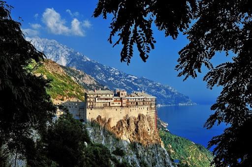 S-a interzis intrarea pelerinilor în Sfântul Munte Athos