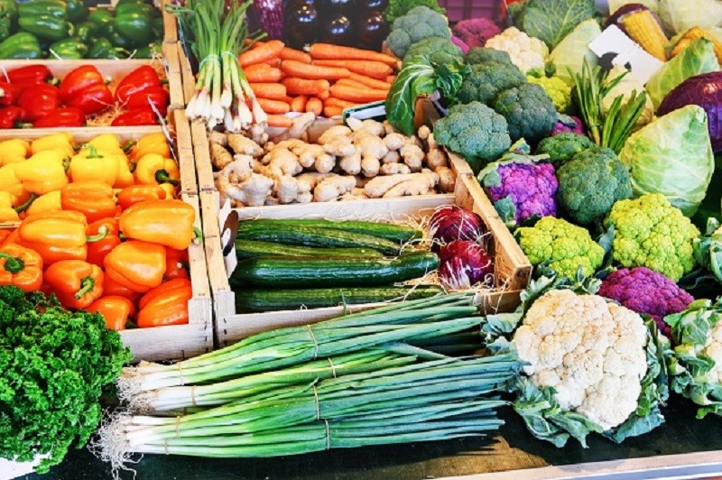 Piețele agroalimentare rămân deschise doar pentru producători. Fără samsari!