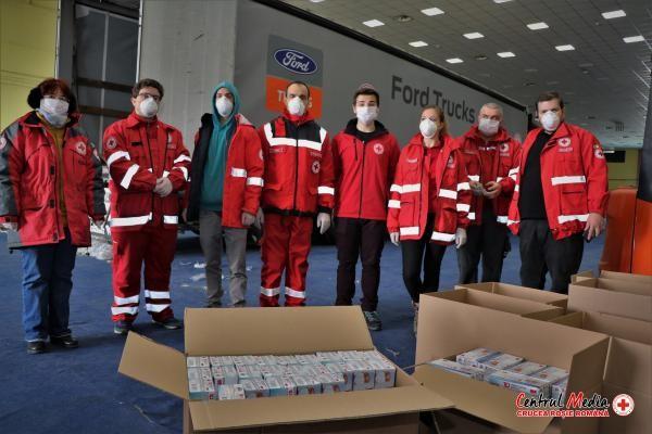 Crucea Roșie Română a achiziționat și distribuit mai multor instituții 1 milion de măști sanitare