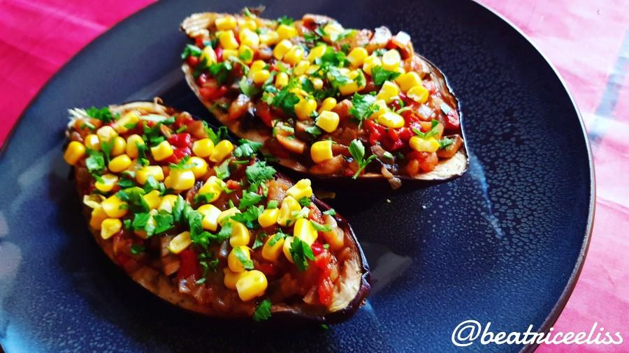 Din Bucătăria Lui Eliss: Vinete umplute cu legume în sos roșu și porumb dulce