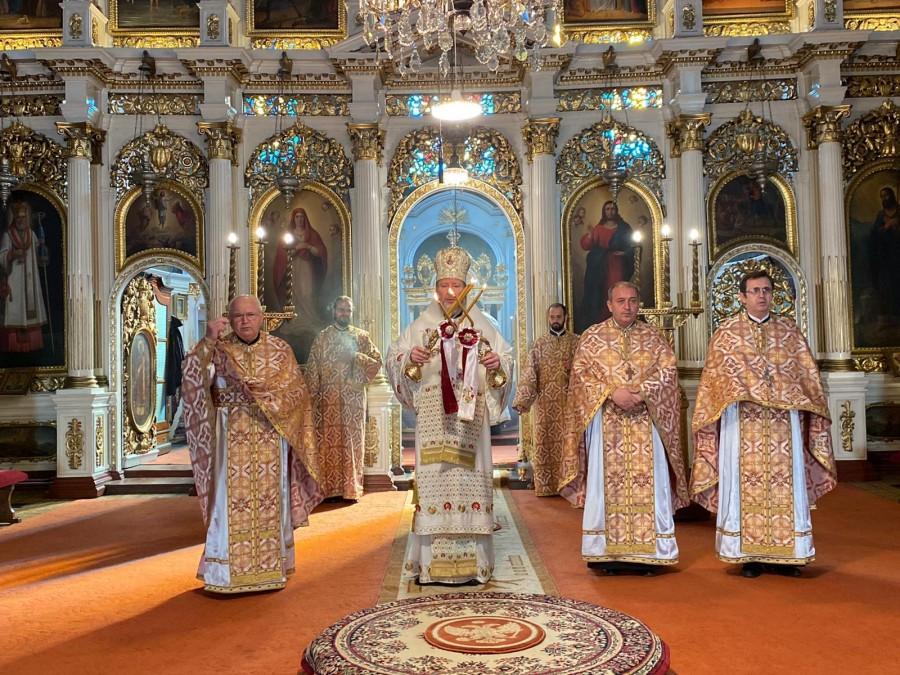 """Duminica Sfintei Maria Egipteanca. """"Nu există păcat care să biruiască puterea și dragostea lui Dumnezeu"""" – PS Emilian Crișanul"""