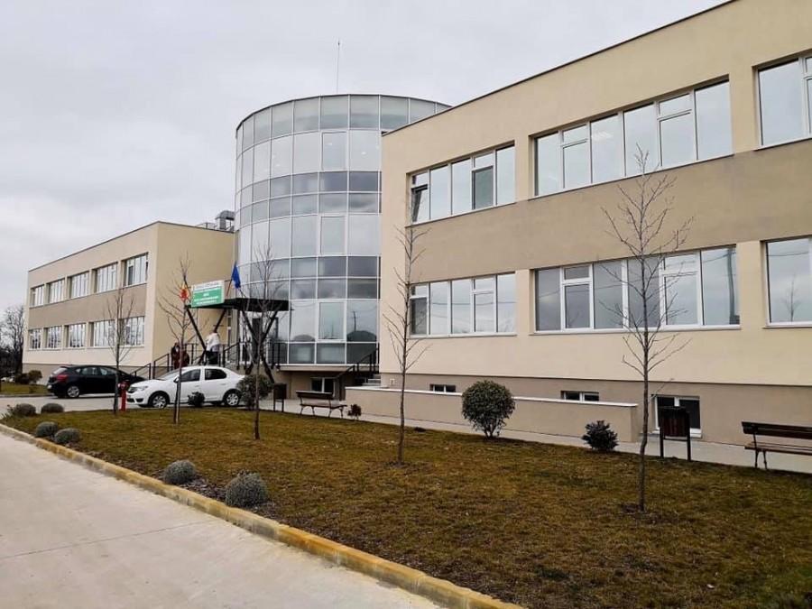 Încă șase pacienți din Arad vindecați de COVID-19 au fost externați