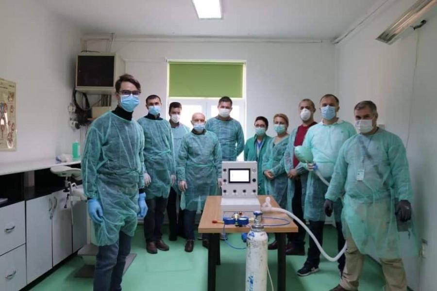 Primul ventilator mecanic de producție românească a trecut prin a doua sesiune de testare-evaluare