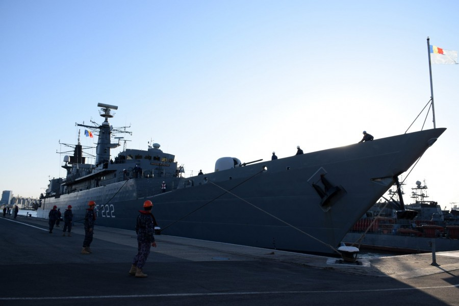 """Misiune îndeplinită. Fregata """"Regina Maria"""" a acostat miercuri în Portul Militar Constanța, în urma îndeplinirii misiunilor în cadrul grupării NATO SNMG-2"""