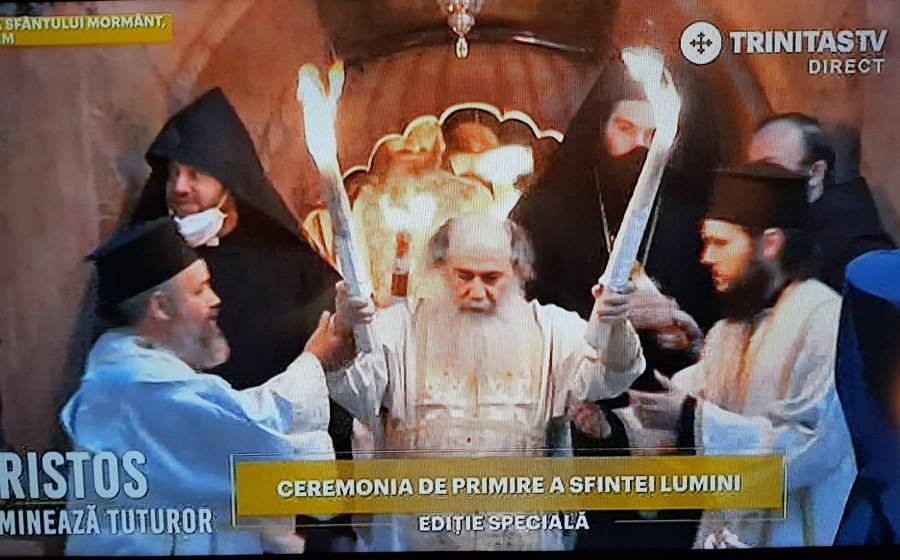 Hristos luminează tuturor! Sfânta Lumină a coborât în Biserica Sfântului Mormânt din Ierusalim