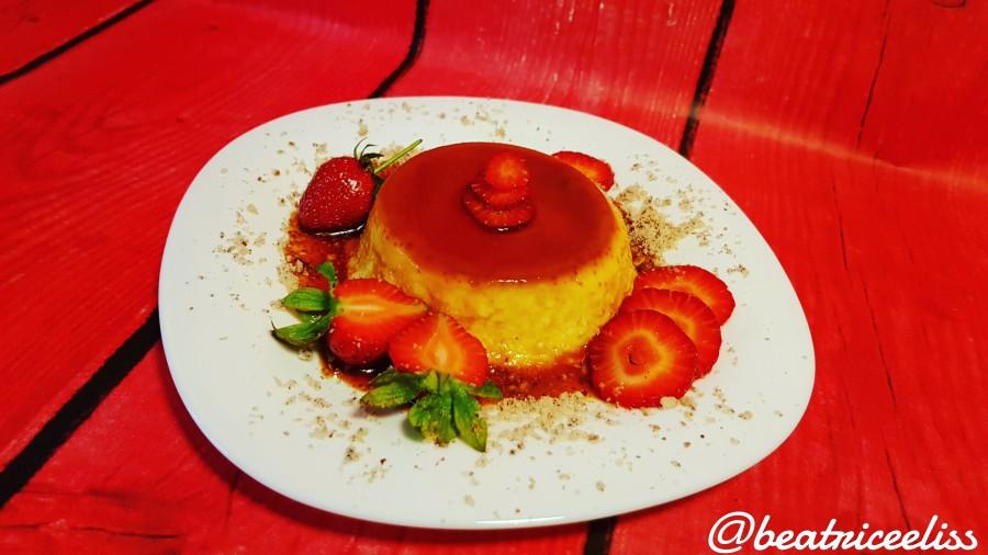 Din Bucătăria Lui Eliss: Cremă caramel cu alune de pădure și căpșuni