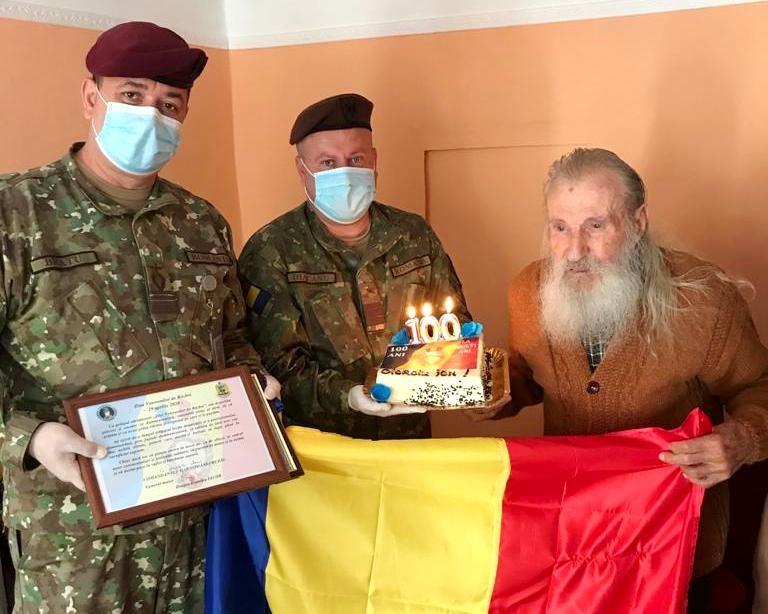 Veteranul de război Ion Cioroiu, sărbătorit la împlinirea vârstei de 100 de ani