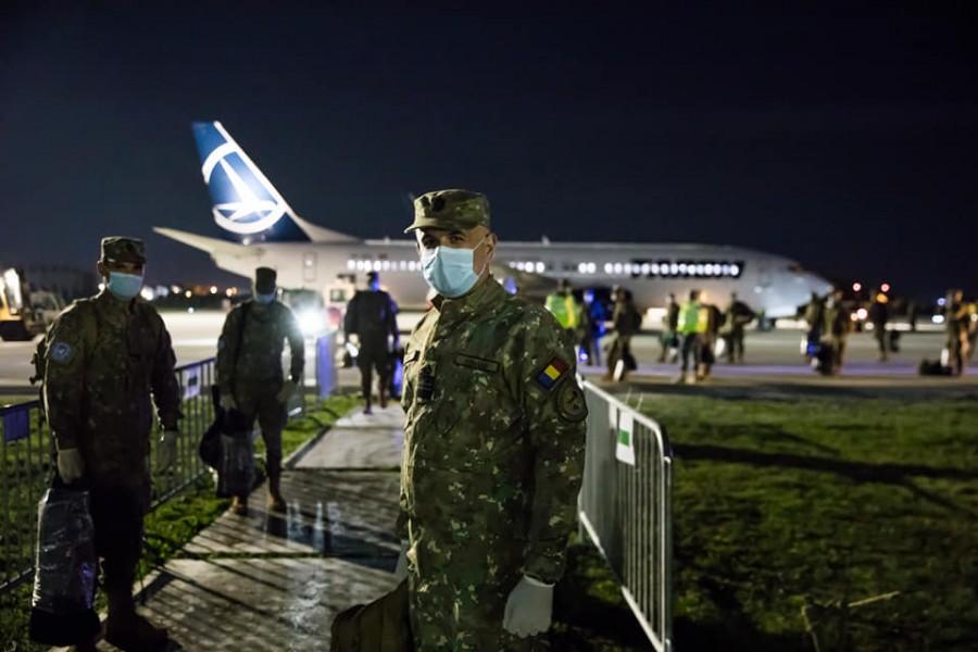 România trimite 15 medici militari și specialiști CBRN în SUA pentru a ajuta în lupta contra COVID-19