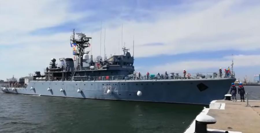 """Acasă după 137 de zile. Nava militară """"Viceamiral Constantin Bălescu"""" și-a încheiat misiunea în Marea Neagră și Marea Mediterană"""