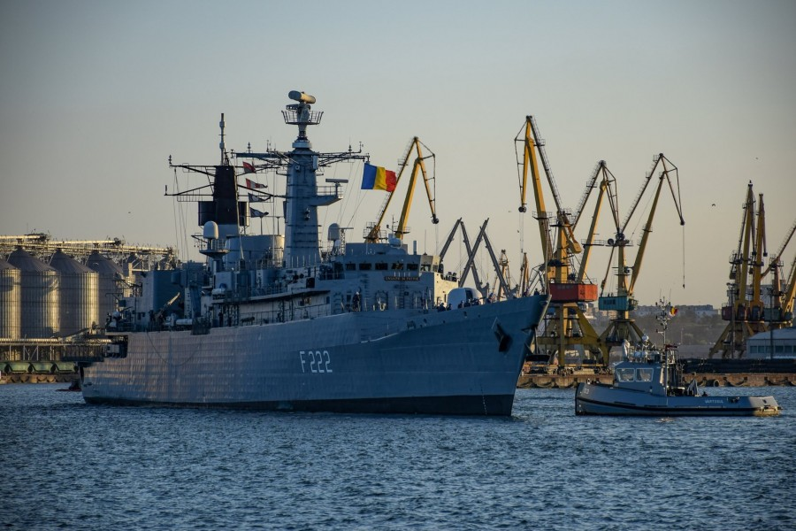 """Trei nave militare românești participă la Exercițiul multinațional """"Breeze 20"""" organizat în Bulgaria"""