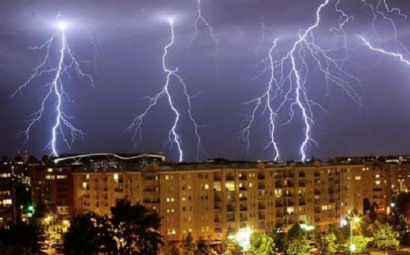 Atenţionare meteo! Cod Galben şi Portocaliu de furtuni în mare parte a țării