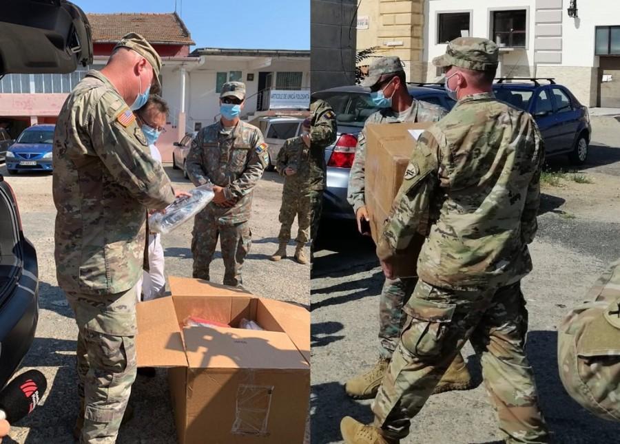Militari români și americani au distribuit materiale de protecție sanitară în unități medicale din Arad