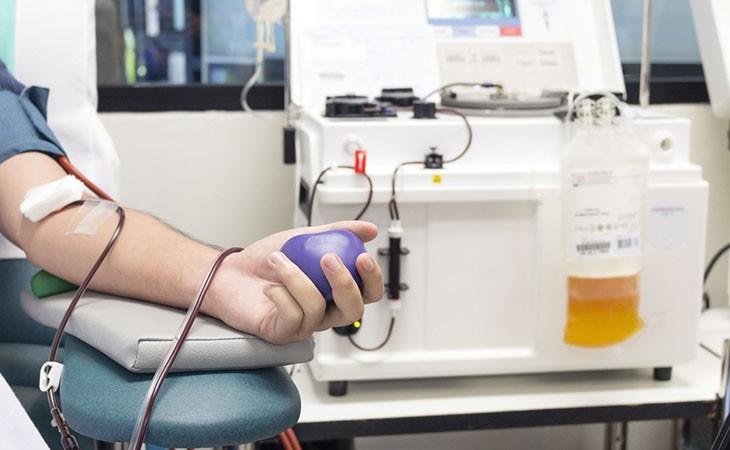 Reguli noi pentru pacienții vindecați de COVID-19 care vor să doneze plasmă