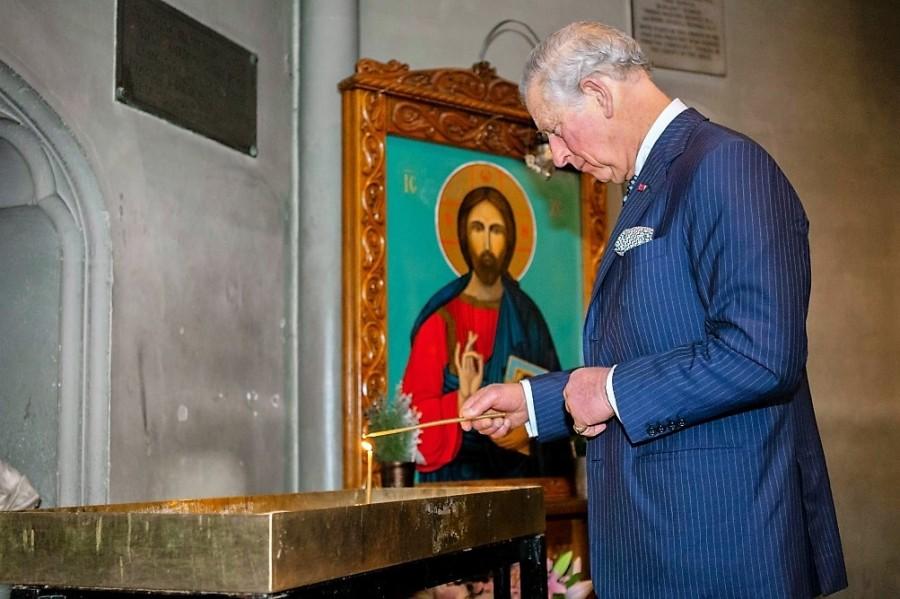 """(VIDEO) Prinţul Charles îi îndeamnă pe români să îşi petreacă vacanţele în România şi să descopere """"bogăţiile de necrezut"""" ale acesteia"""