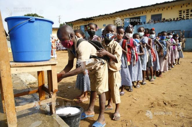 Două din cinci şcoli din lume nu au spaţii destinate spălării mâinilor cu apă şi săpun