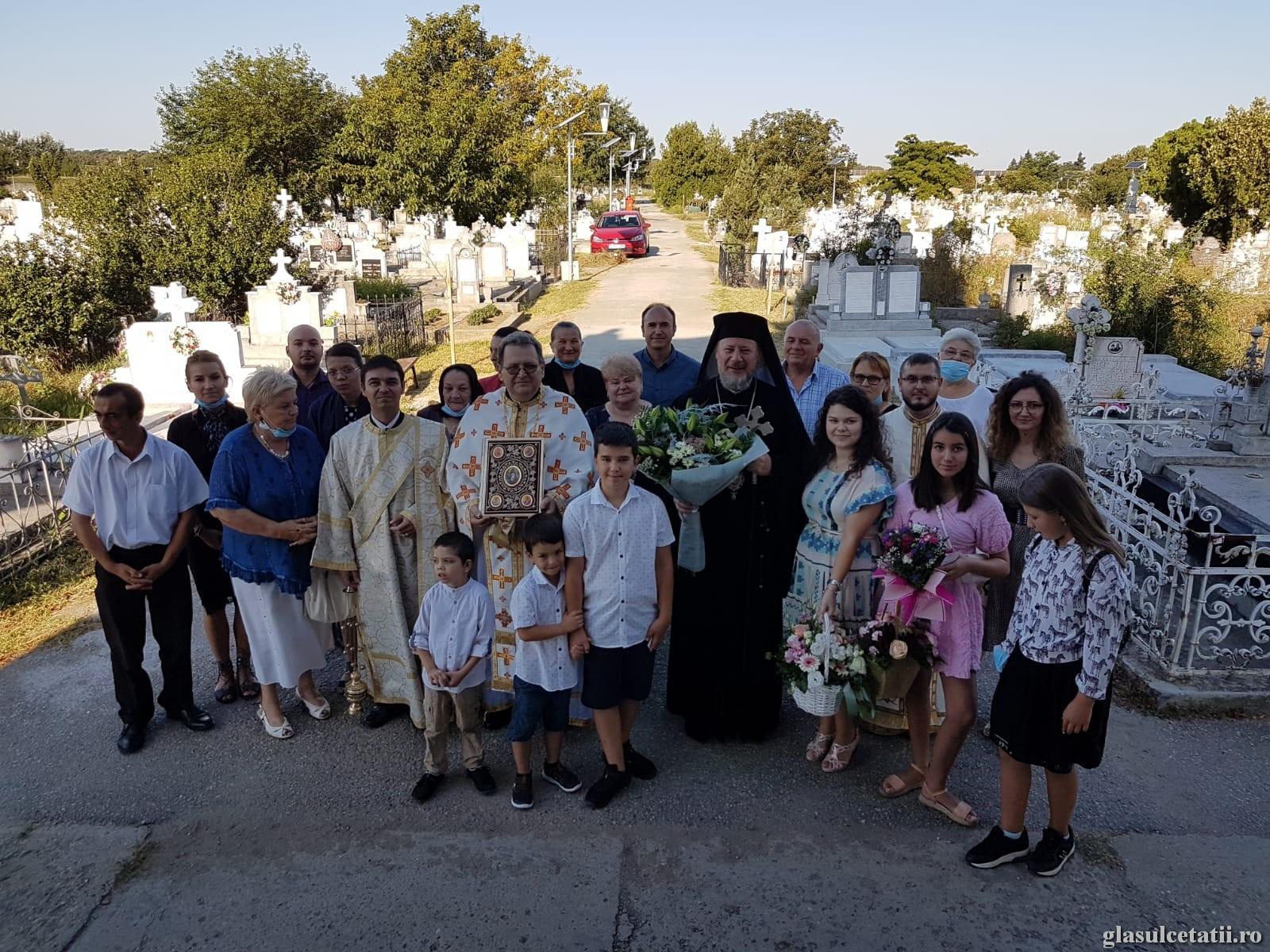 Liturghie Arhierească la hotarul veșniciei: Cimitirul Pomenirea din Arad