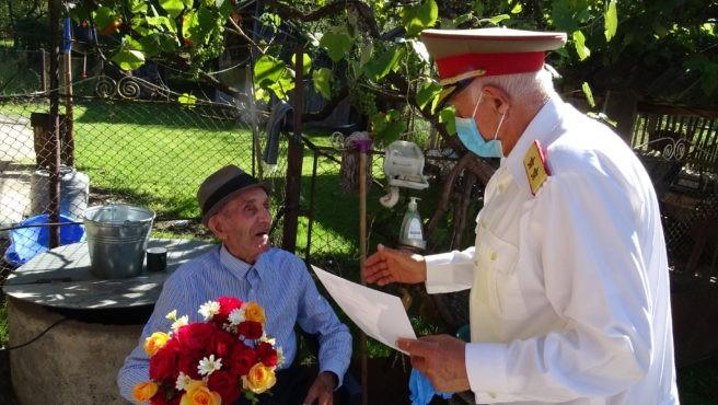 Veteranul de război Ioan Gheorghe Cotîrlă, aniversat la împlinirea vârstei de 101 ani