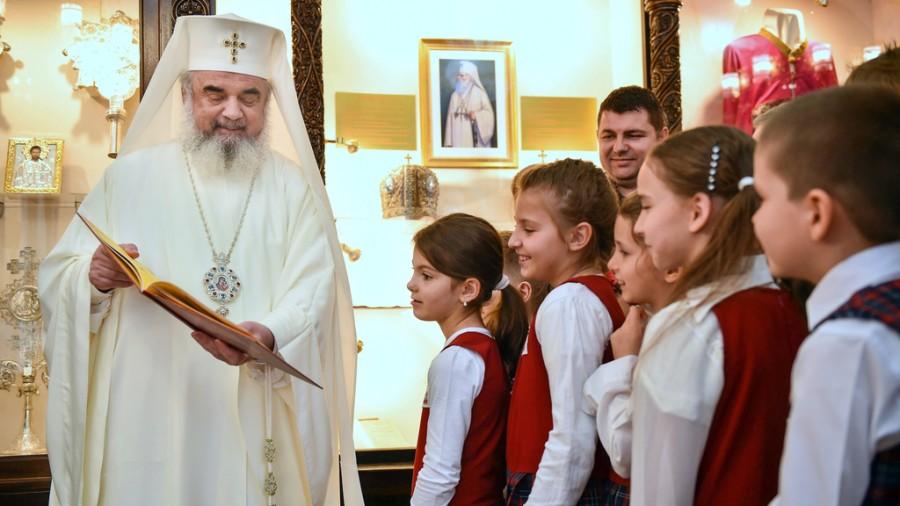 Patriarhul Daniel, binecuvântare pentru elevi, părinți și cadre didactice la început de an şcolar