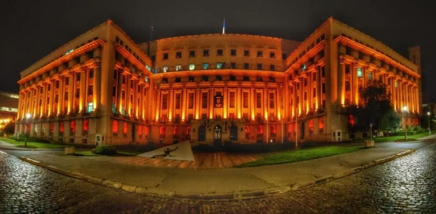 Palatul Ministerului Afacerilor Interne, iluminat în portocaliu în semn de respect față de munca depusă de personalul medical
