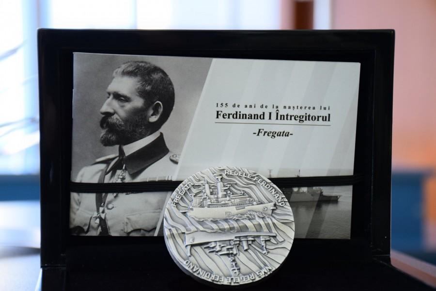 """Fregata """"Regele Ferdinand"""", prima navă de război a României pe o medalie emisă de Statul român"""