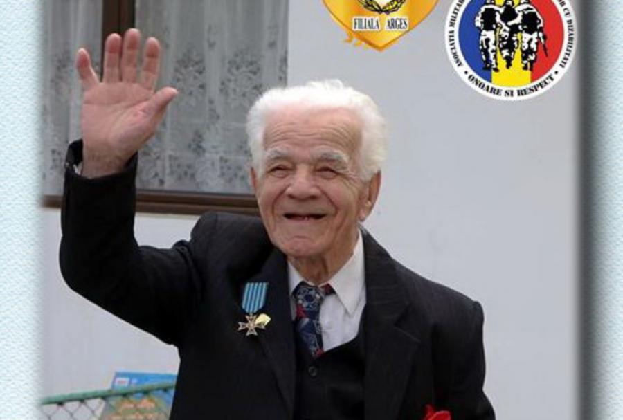 """Veteranul de război Paraschiv Simăn a împlinit 102 ani. """"Când ești disciplinat și ai o viață organizată, toate merg ca pe roate"""""""