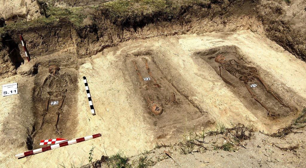 Crimele comunismului - Urmașii deținuților decedați la Periprava sunt chemați să facă test ADN pentru identificarea acestora