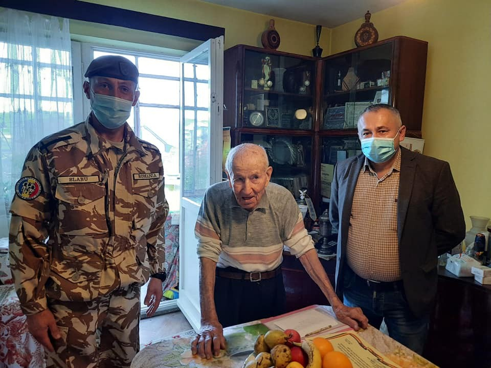 Veteranul de război Eugen Vătășescu, la 100 de ani - o viață trăită cu demnitate și satisfacția lucrului făcut din suflet