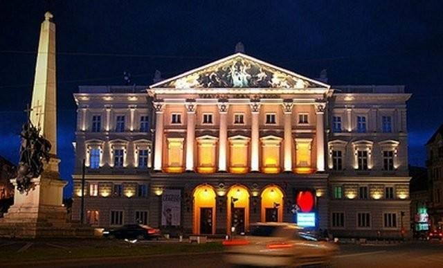 """Teatrul Clasic """"Ioan Slavici"""" Arad suspendă spectacolele programate în intervalul 24 octombrie – 6 noiembrie"""