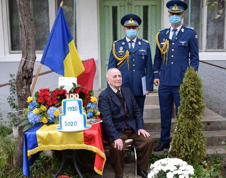 100 de ani de viață, 100 de ani de istorie! Veteranul de război Marin Stănescu, sărbătorit la centenar