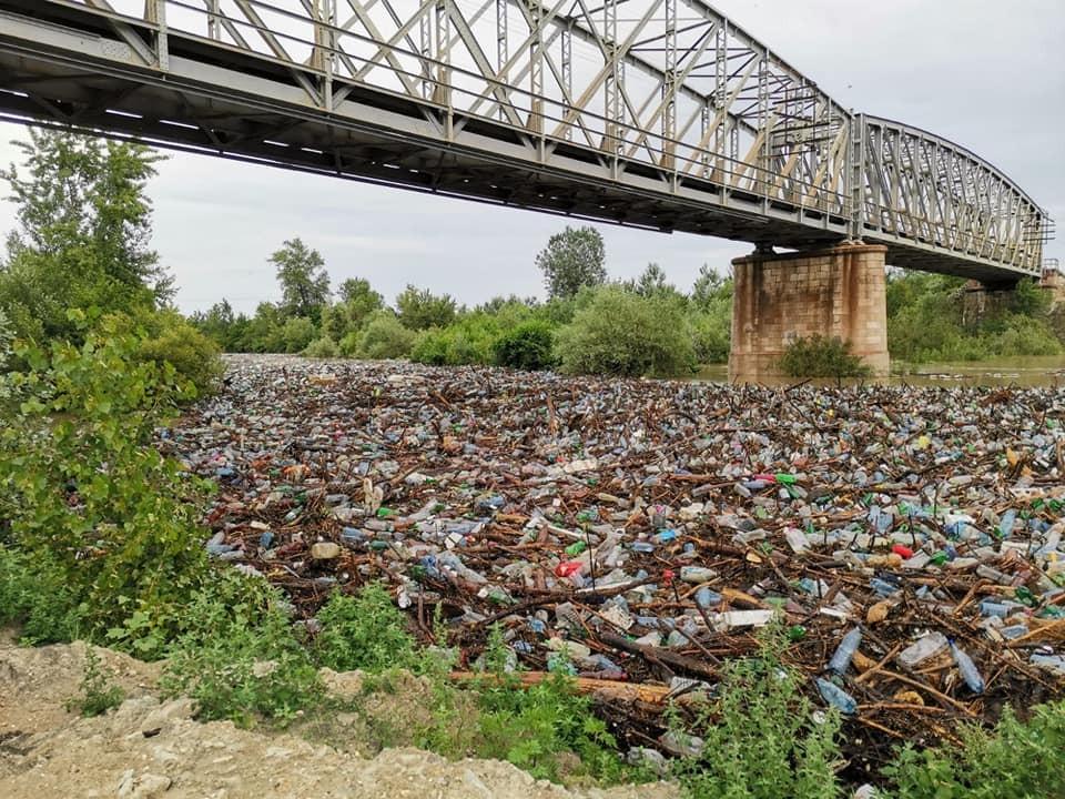 România, amenințată cu justiția UE pentru modul în care tratează deșeurile, natura, apa și calitatea aerului