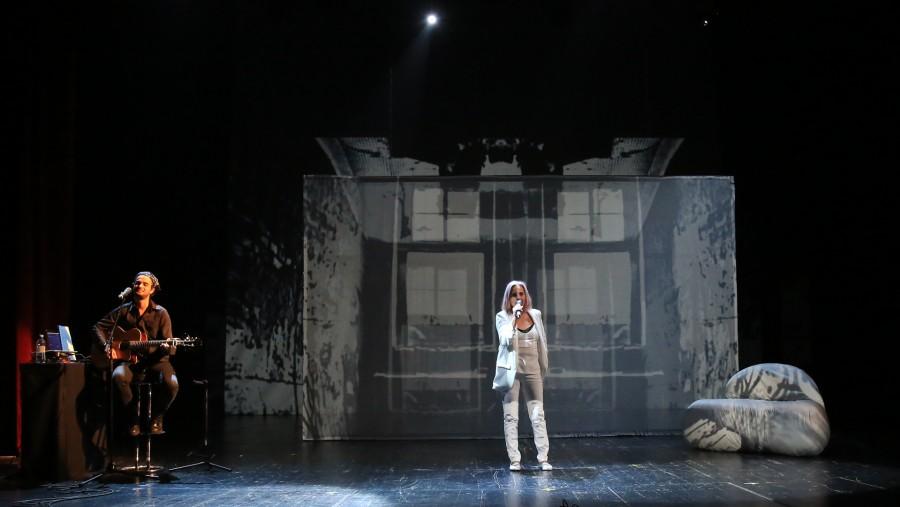 """""""Carmen Vlaga vorbește cu tine"""", prima producție teatrală arădeană care debutează cu un gong... virtual"""